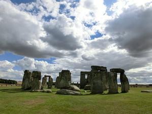 Stonehenge200578__340